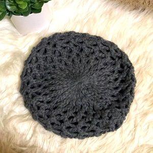 ✨3/$25✨ [kirra] Crocheted Beret